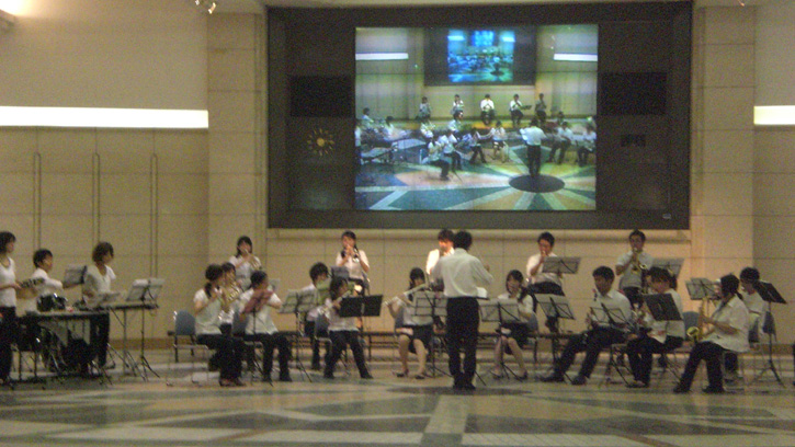 Hiroshima Orchestra and the Big TV